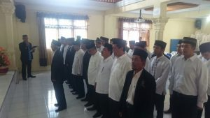 👆👆Ketua Umum Dewan Dakwah Aceh Dr Tgk Hasanuddin Yusuf Adan MCL MA saat melantik Pengurus Daerah Dewan Dakwah Aceh Tengah di Aula Kemenag Aceh Tengah, Sabtu (2/6/2018)